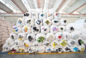HUMANA People to People Worldwide - Clothes collection globally