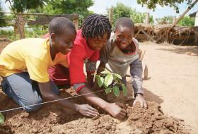 HUMANA People to People Worldwide - Fighting Climate Change